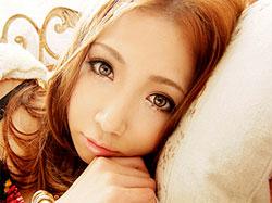 可憐美少女として話題を独占したAYAKAがついにデビュー VIP限定版 友田彩也香 トリプルエックス